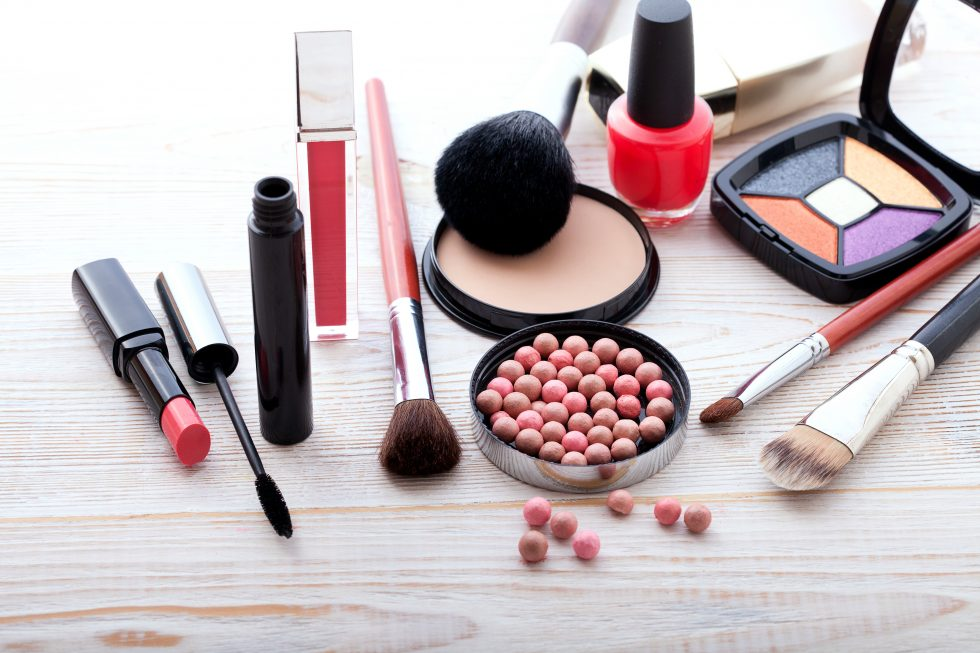 Respeita o prazo de validade dos seus cosméticos